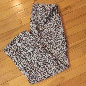 VS Lightweight Pajama Pants - Size Medium